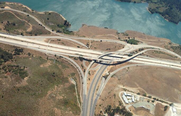 保障公路建设质量 检测仪器来报到